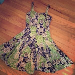 Size 6 Green/Black Floral Dress